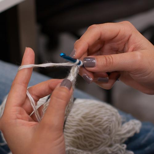little-market-tricot-pour-les-sans-abris-1